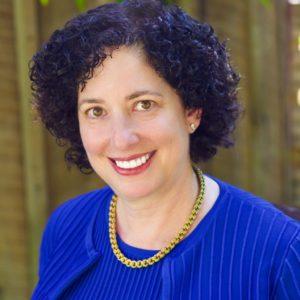 Elizabeth Grayer Headshot.